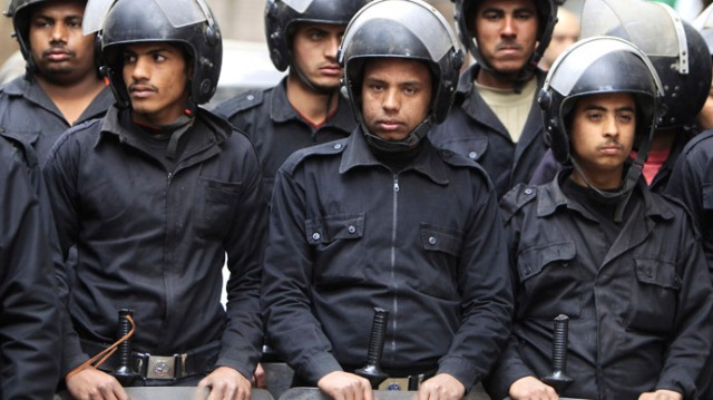 egypt-police-chief-strikes.si